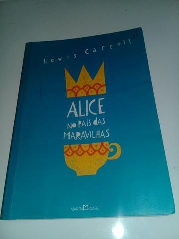 Livro 2 em 1 Alice no país das maravilhas e Alice Através do espelho