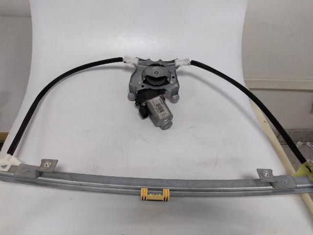 *6 Maquina Vidro Eletrico Direita C/ Motor Clio 2p - Foto 3