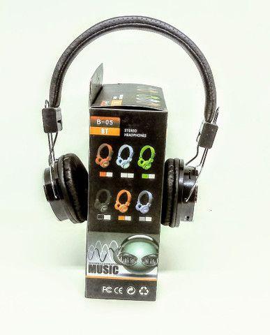 Fone de ouvido Bluetooth B05 Headphone Atende Chamadas Oferta - Foto 3
