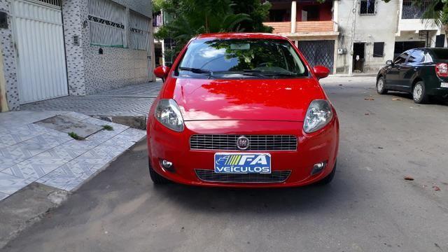 Fiat Punto Attractive 1.4 2012 com Kit Itália