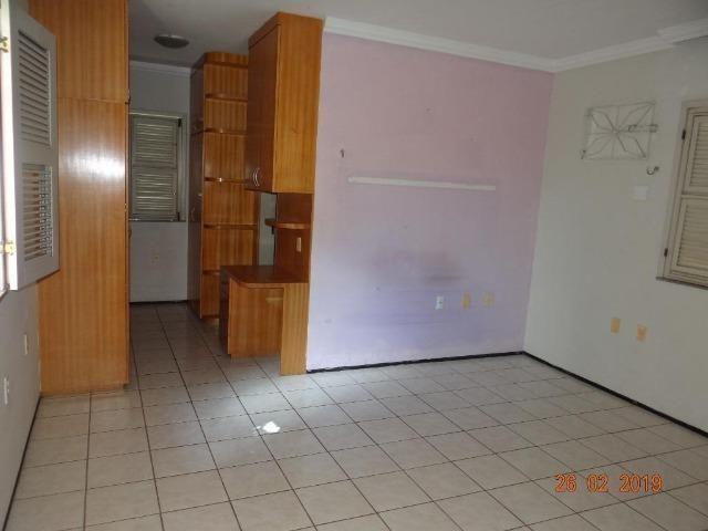 CA1841 Vendo ou Alugo, casa duplex com 5 quartos, 8 vagas de garagem, Cambeba - Foto 8