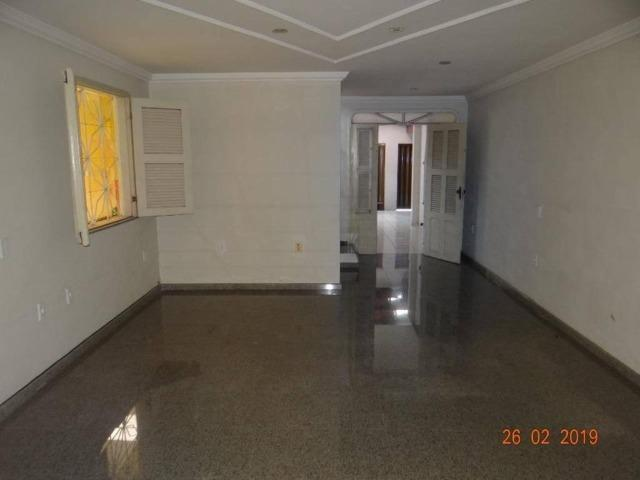 CA1841 Vendo ou Alugo, casa duplex com 5 quartos, 8 vagas de garagem, Cambeba - Foto 5