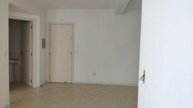 Apartamento de 1 Dormitorio com Vaga no Roçado - Foto 5
