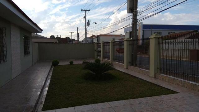 Ótima residência c/ 04 quartos, amplo terreno e salão de festas em Uvaranas !!! - Foto 20