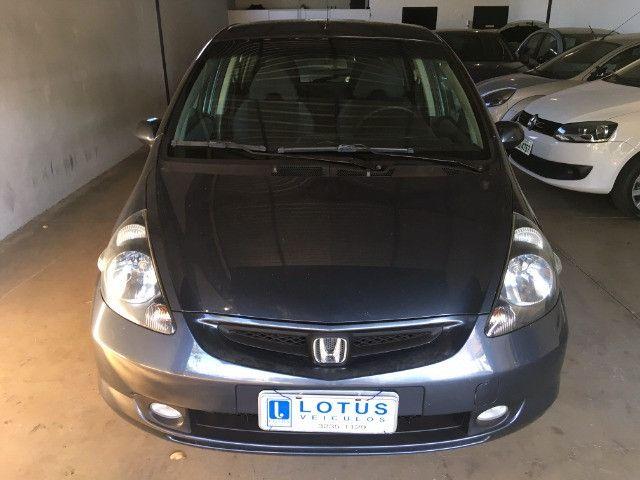 Honda Fit 1.4 Lx manual 05/06 Troca somente por veiculos de maior valor - Foto 2