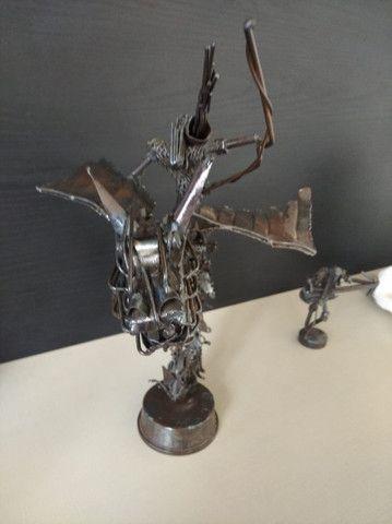 Escultura de metal  - Foto 3