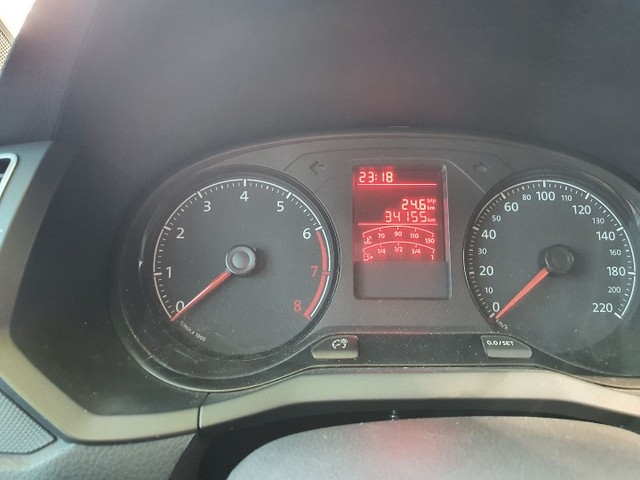 Volkswagen Gol 1.0 3 c completo apenas 34 mil km - Foto 3