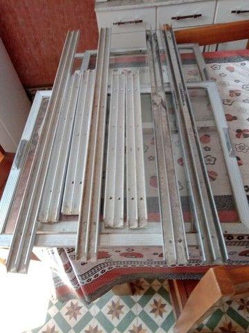 Portinhas de vidro e alumínio - Foto 6