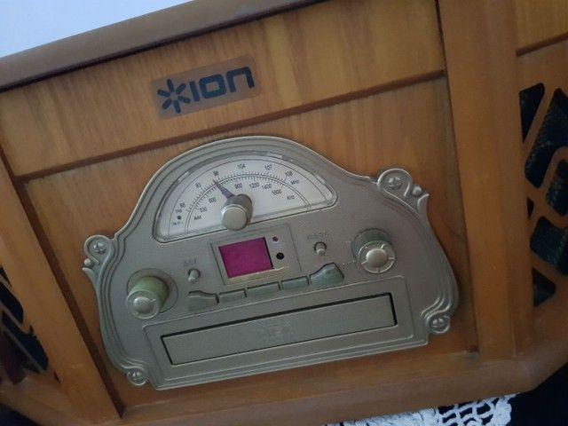 Vitrola retrô c/ cd, radio e toca fita