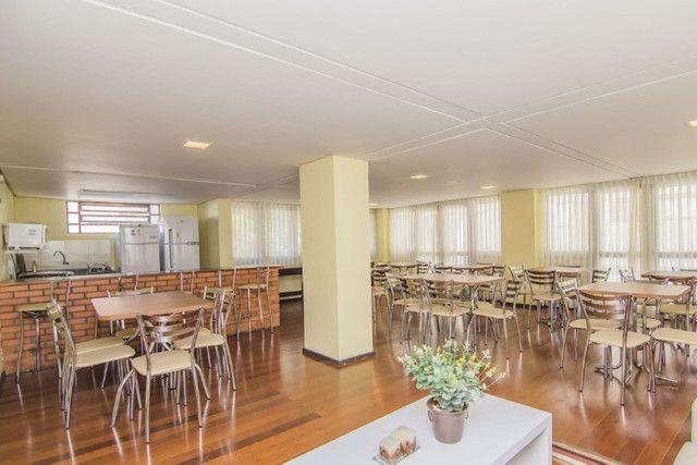 Cobertura de 203 m2 , com 3 quartos e 2 vagas em Petrópolis - Foto 20