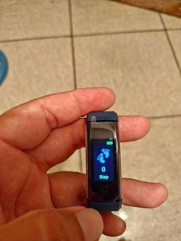 Smart Bracelet com monitor cardíaco e contador de passos. - Foto 2