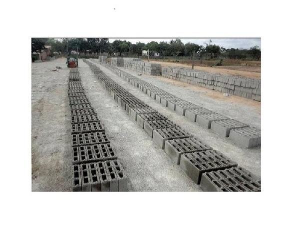 Maquina de bloco de concreto Poedeira Compaq Mak JF6000 Turbo - Foto 2