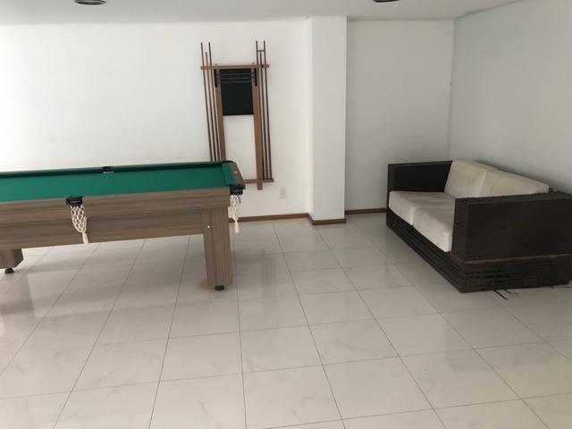 Apartamento com 4 suítes +gabinete + lavabo a 50 metros da praia - Foto 6