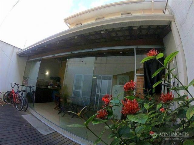 Casa duplex com 4 dormitórios, sol da manhã, lazer com churrasqueira e quintal, 3 vagas de - Foto 18