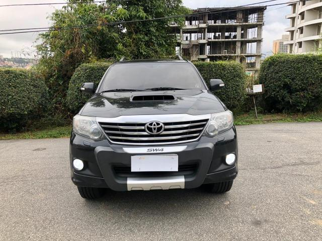 Hilux Sw4 3.0 Diesel Automatico 4x4 (7 Lugares) - 2014