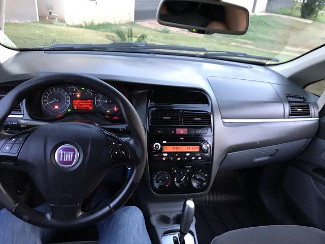 Fiat Linea HLX 1.9 Dualogic - Foto 18