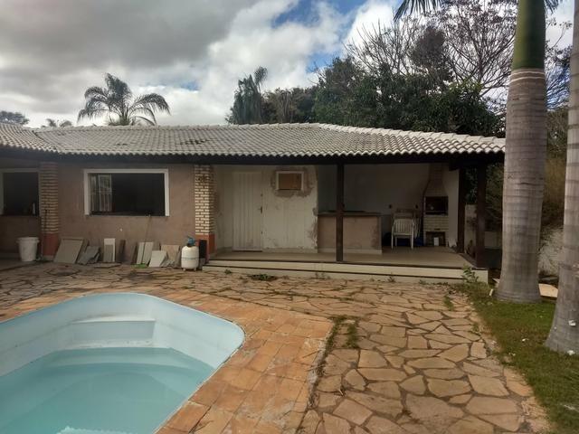 Arniqueiras QD 05 Casa piscina churrasqueira condomínio lote 970m só 570mil - Foto 2