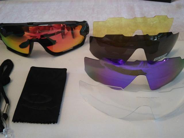 698a4b7c68cba Óculos Oakley para prática de esportes