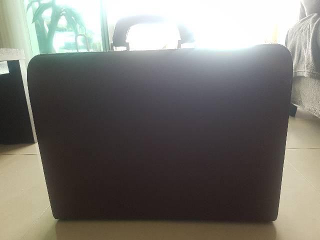 Maleta couro notebook com segredo  - Foto 5