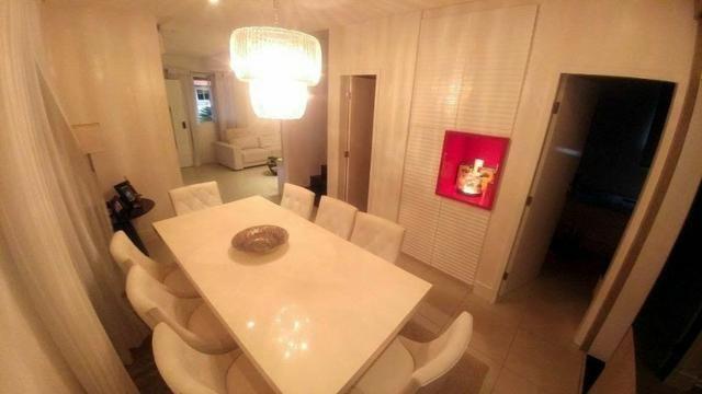 Casa de condominio com 4 suites e segurança 24 horas, bem localizada - Foto 4