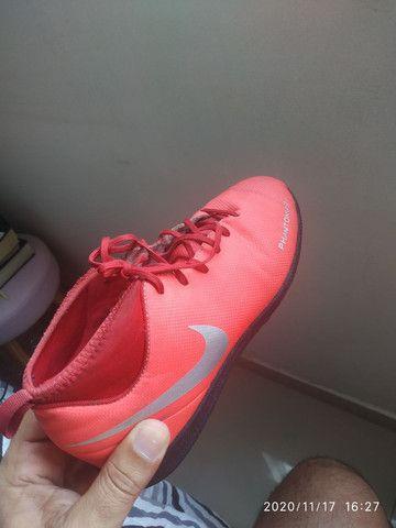 Chuteira da Nike N 35 bem conservada!