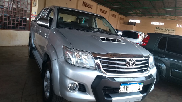 Hilux Srv 3.0 Turbo Diesel At 2014/14 - Foto 2