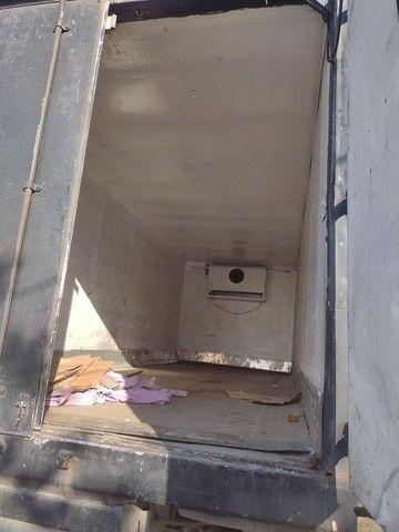 Caminhão 12140 baú refrigerado - Foto 5