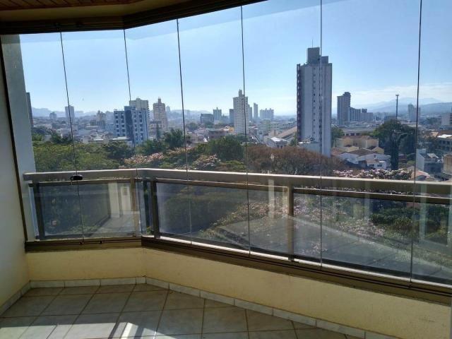 Apartamento para alugar no bairro Centro - Pouso Alegre/MG