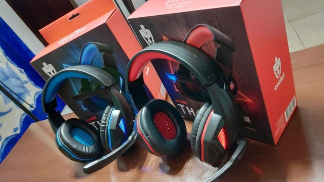 Super Headset com Leds Vermelhos ou Azuis! - Foto 2
