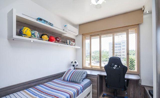 Cobertura de 203 m2 , com 3 quartos e 2 vagas em Petrópolis - Foto 13