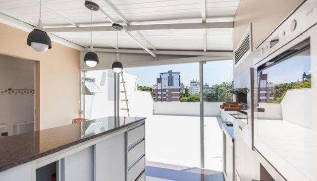 Cobertura de 203 m2 , com 3 quartos e 2 vagas em Petrópolis - Foto 7