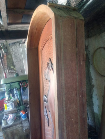 Porta de madeira esculpia - Foto 3