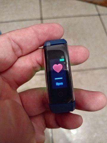 Smart Bracelet com monitor cardíaco e contador de passos. - Foto 4