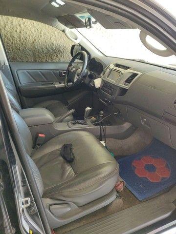 Vendo Hilux srv 4x4 preto auto 2013 - Foto 3