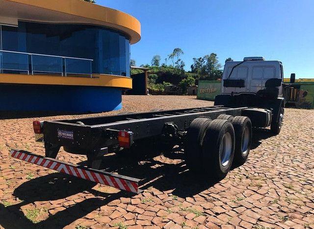 Ford cargo 2428 (Entrada 13 mil) - Foto 4