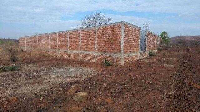 Terreno murado com portões - Foto 3