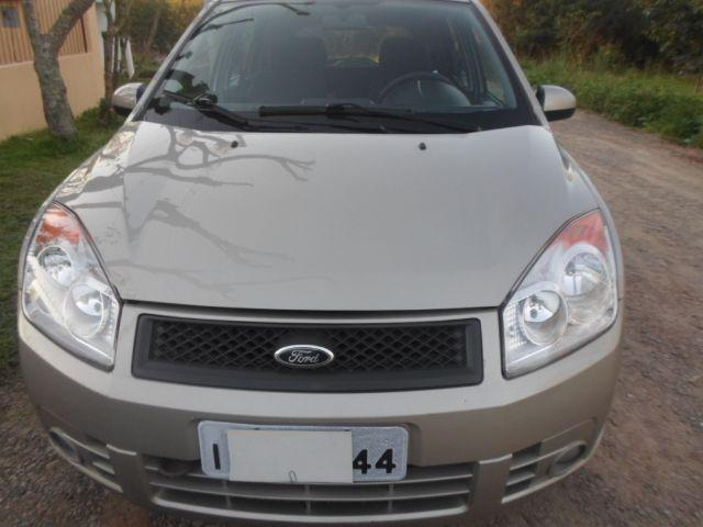 Ford Fiesta 1.6 completo impecavel
