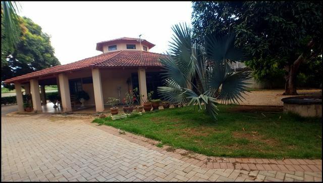 Casa 4 Suítes, 445 m² c/ Terreno de 3.724 m² na 603 Sul