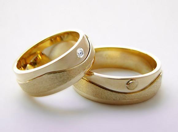 cdc18c785a8ed Alianças ouro 18 kilates 7 mm Peso 15 Gramas - Pedra Diamantes 5 Pontos