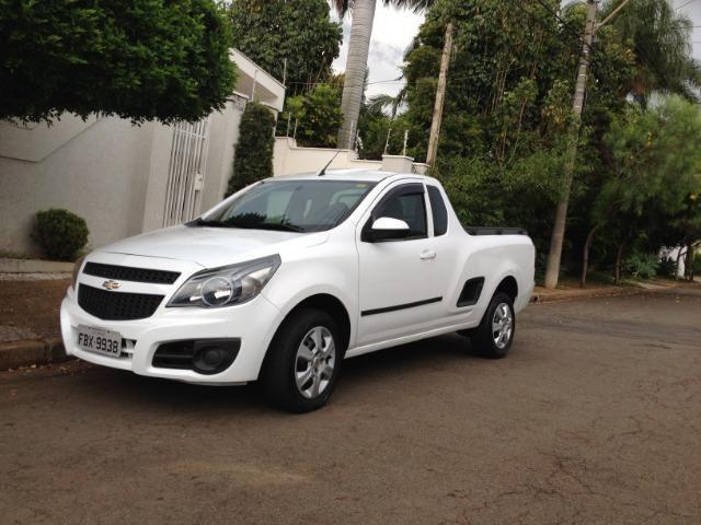 Resultado de imagem para Chevrolet Montana, cor branca