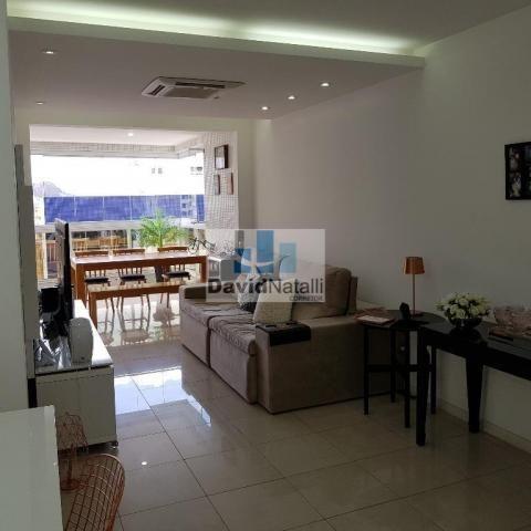 Apartamento 3 quartos com suíte na Praia do Canto, Vitória.