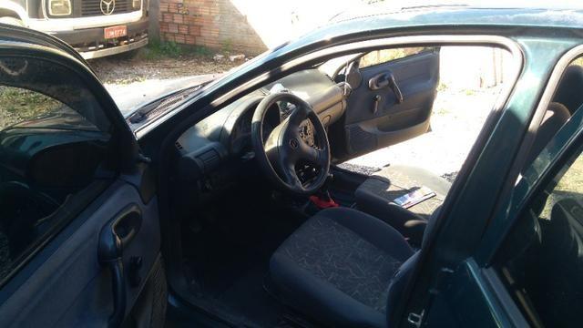 Corsa Sedan 2000 1.6 com GNV - Foto 2