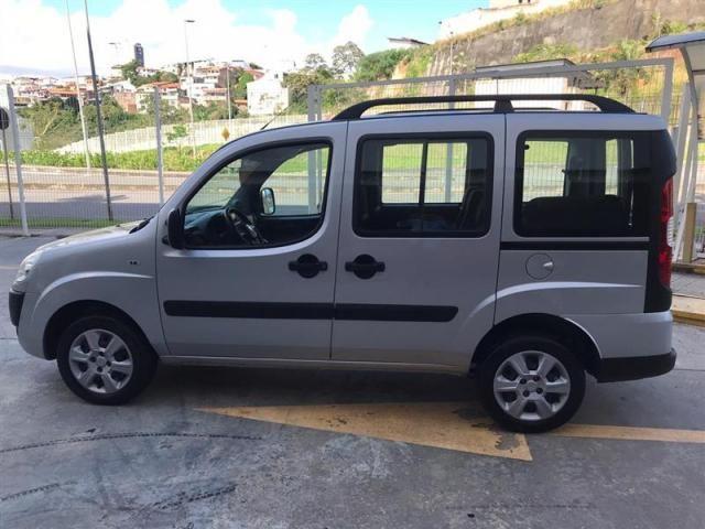 Fiat Doblò Essence 1.8 7L (Flex) - Foto 10