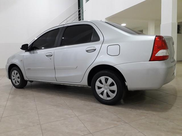 Toyota Etios Sedan 1.5 2015 - Aceita troca menor valor - - Foto 4