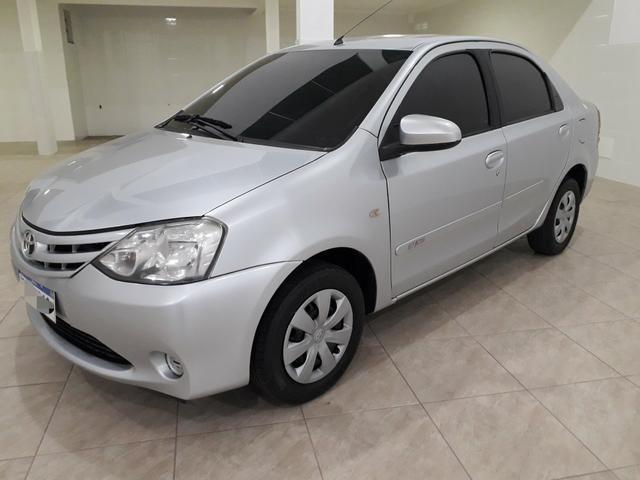 Toyota Etios Sedan 1.5 2015 - Aceita troca menor valor - - Foto 5