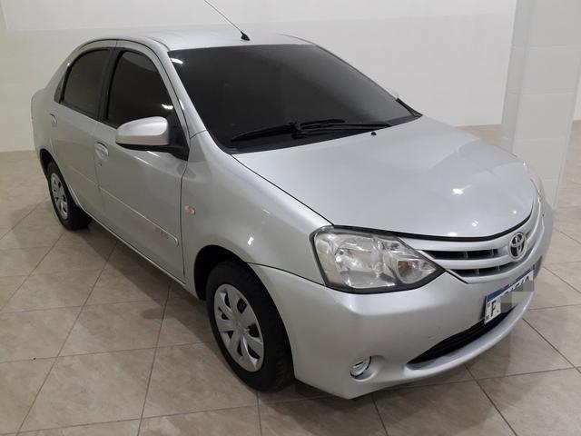 Toyota Etios Sedan 1.5 2015 - Aceita troca menor valor - - Foto 2