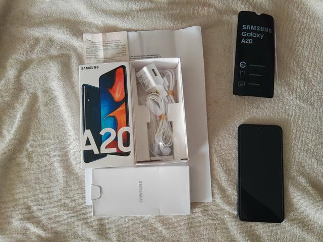Celular Samsung A20 Azul novo ( aceito cartão)