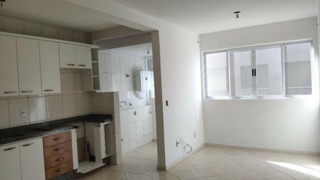 Apartamento de 1 Dormitorio com Vaga no Roçado - Foto 3
