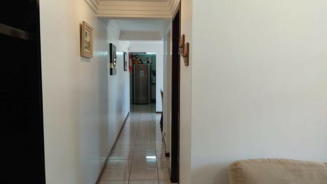 Ótima residência c/ 04 quartos, amplo terreno e salão de festas em Uvaranas !!! - Foto 17