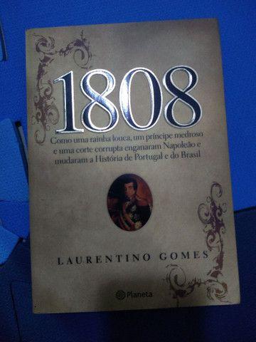 Coleção com 3 livros de Laurentino Gomes - Foto 2